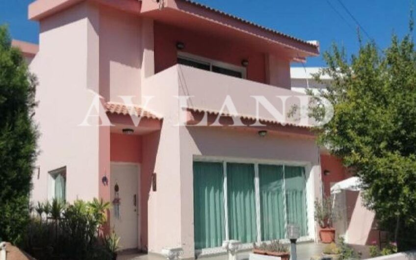 3 Bedroom House for Sale in Archangelos Lakatamia